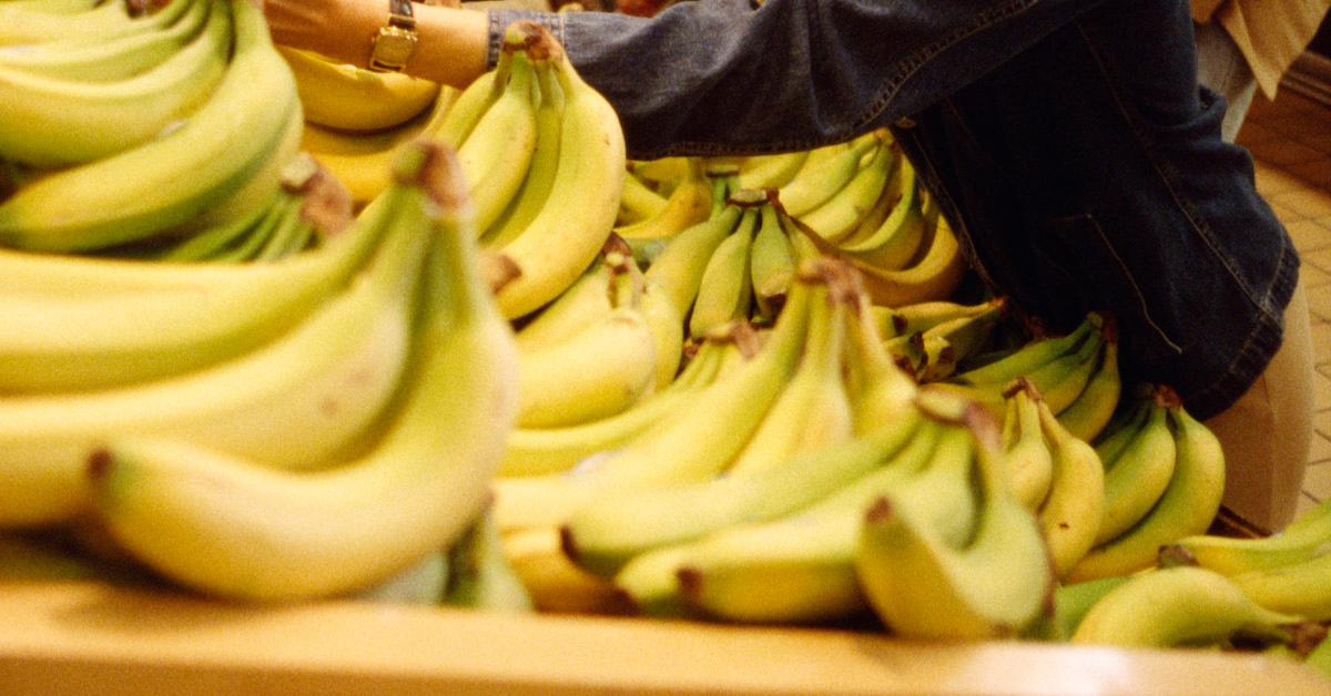 Is it OK to eat a banana every day?