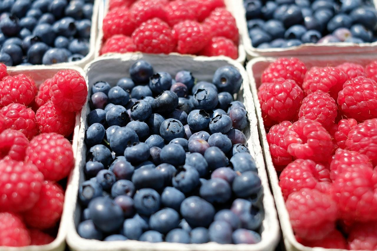 berries blueberries raspberries fruit