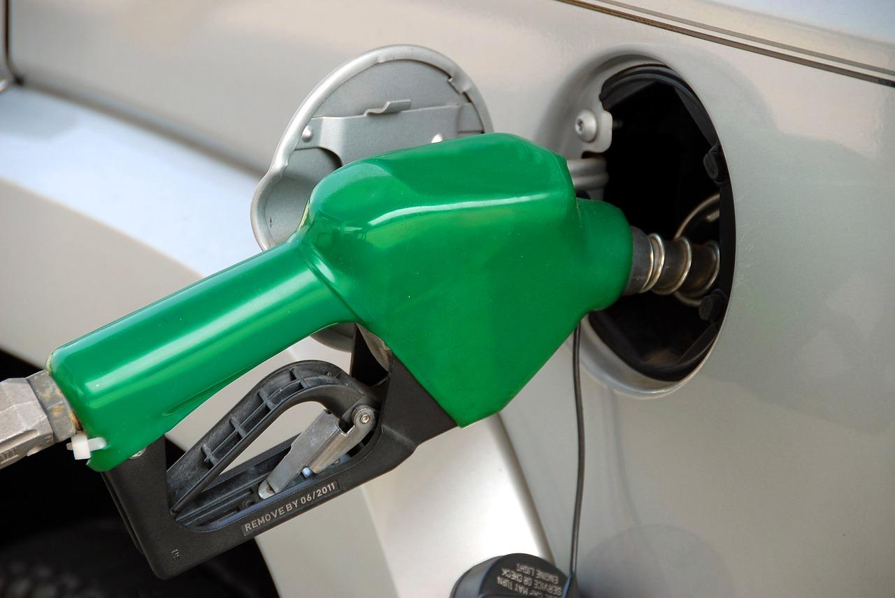pumping-gas-1631634_1280-1531517949304-1531517951220.jpg