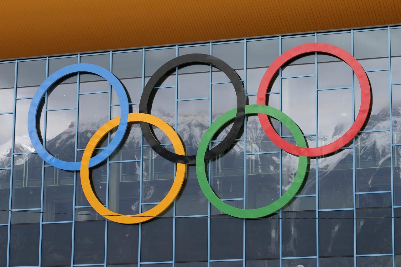 olympic-rings-1939227_1280-1513627853774.jpg