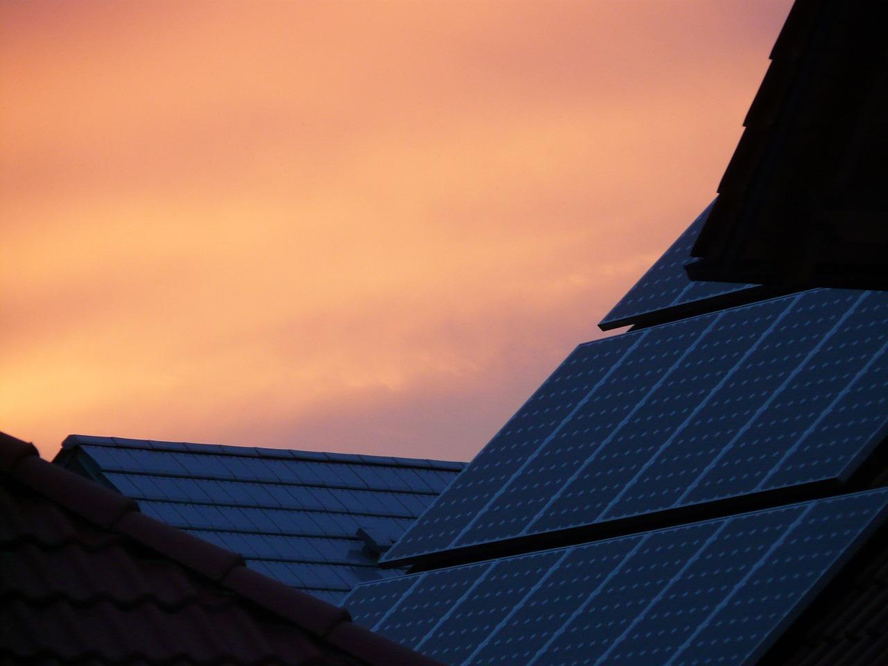 solar-cells-59792_1280-1513033747733.jpg