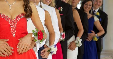 donate-prom-dress-project-glam-1549650567566-1549650569637.jpg