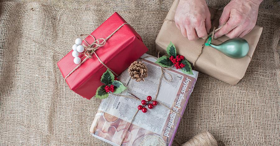 zero-waste-gift-wrap-2-1543870805848.jpg