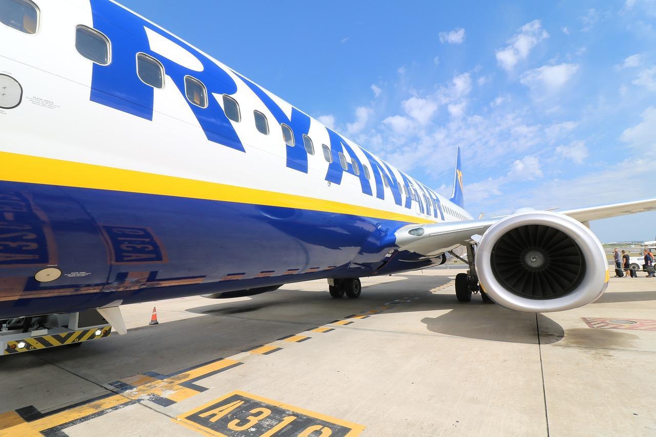 aircraft-2410190_1280-1517521979610.jpg