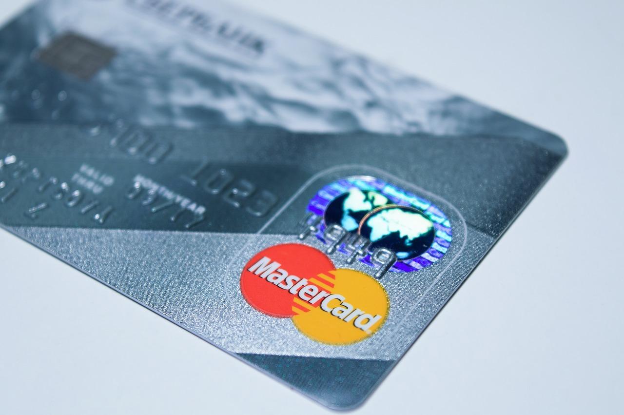 plastic-card-1647376_1280-1519685458567.jpg
