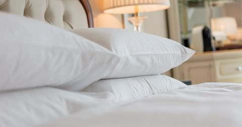 best-non-toxic-pillows-1-1605123220085.jpg