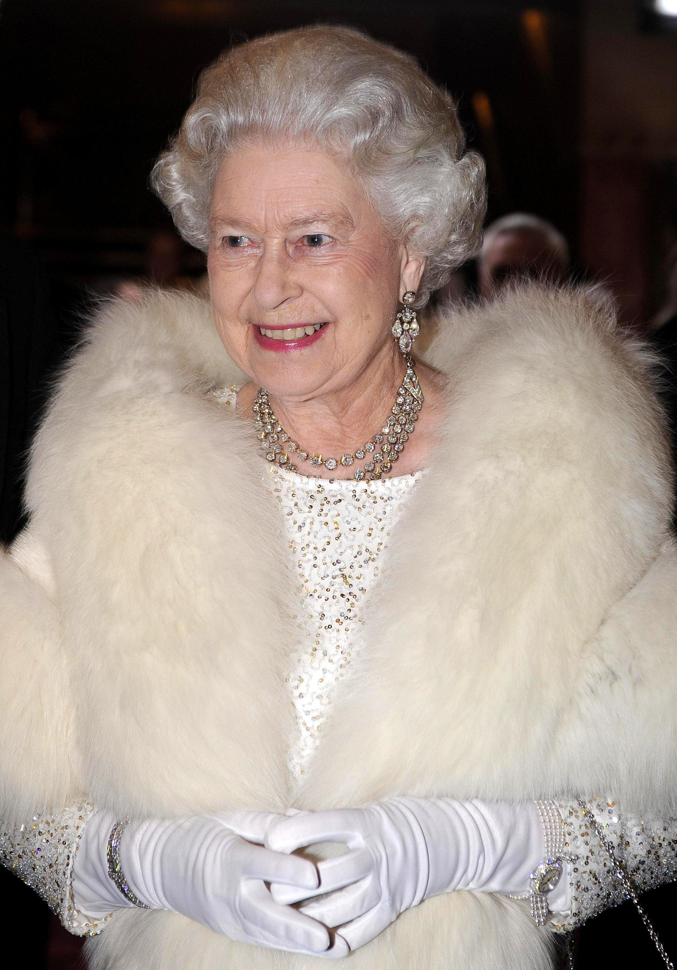 queen-fur-1573059410610.jpg