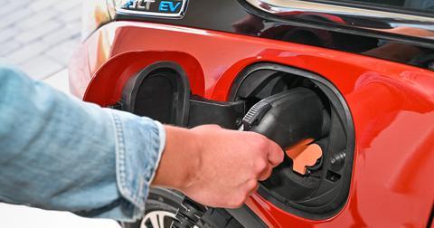 sustainable-road-trip-electric-vehicle--1579291103238.jpg