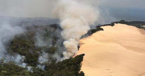 australia-fraser-island-fire-2-1606931271653.jpg