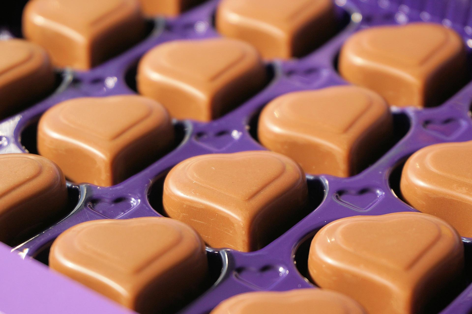 chocolates-1247245_1920-1495758747189.jpg