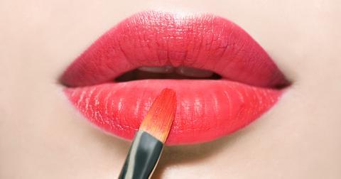 vegan-makeup-1608223997488.jpg