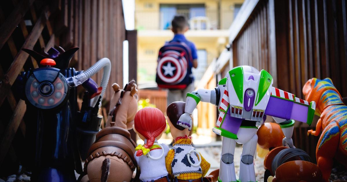 Where to buy used toys online