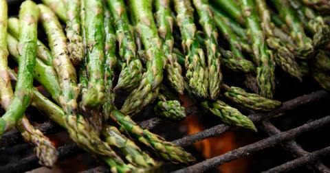 why-does-asparagus-make-pee-smel-1596737125310.jpg