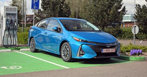 electric-vehicle-tax-credit-1579212286451.jpg