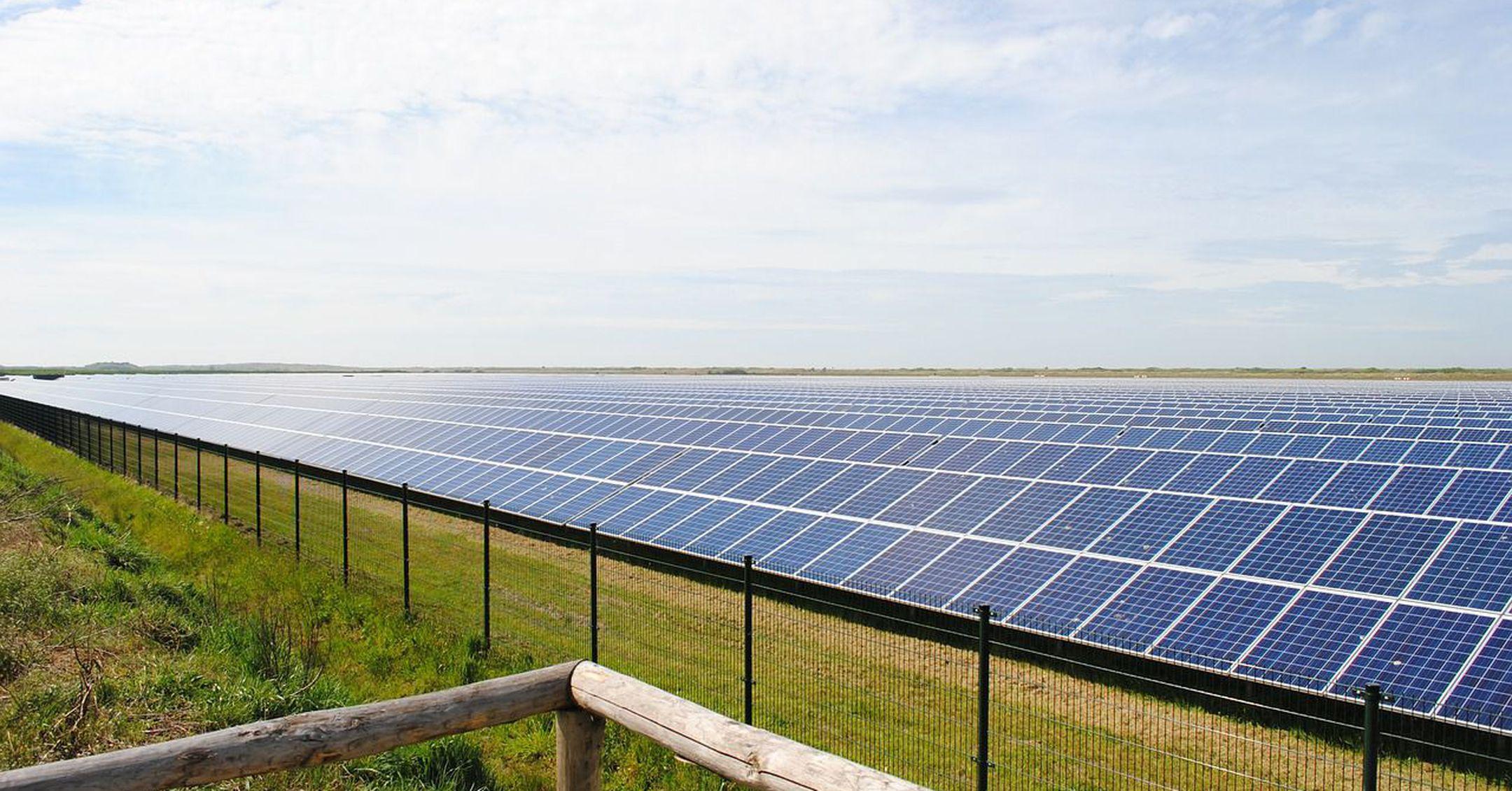 solar-panels-2423614_1280-1513635223750-1535663632524-1535663635017.jpg