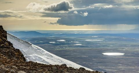 iceland-glacier-1566228650109.jpg