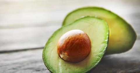 avocado-pit-cutlery-straw-bioplastic-1549654540603-1549654542878.jpg