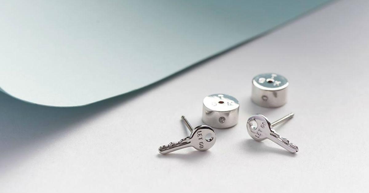 earrings-1542145644873-1542145646874.jpg