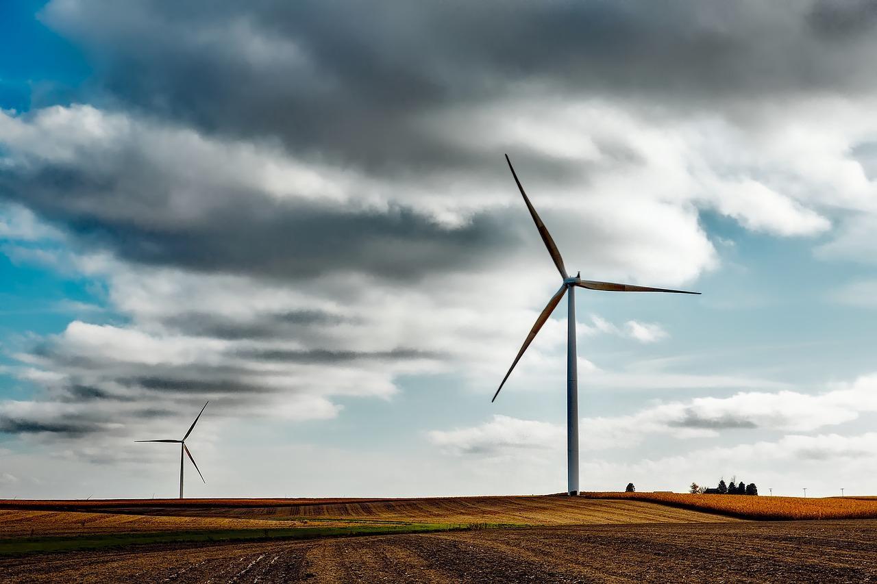 wind-farm-1747331_1280-1513269250544.jpg