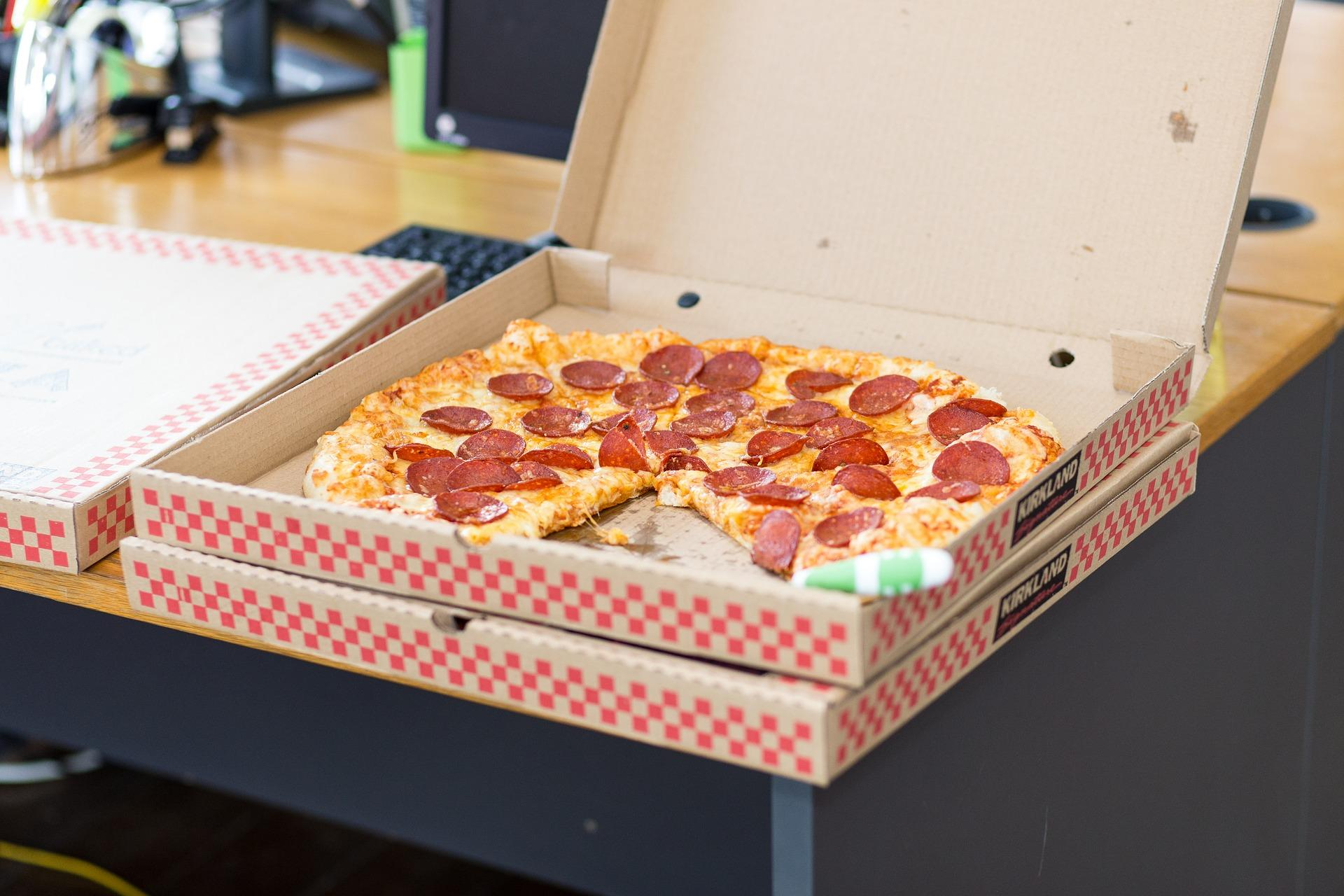 pizza-1702652_1920-1499374365945.jpg