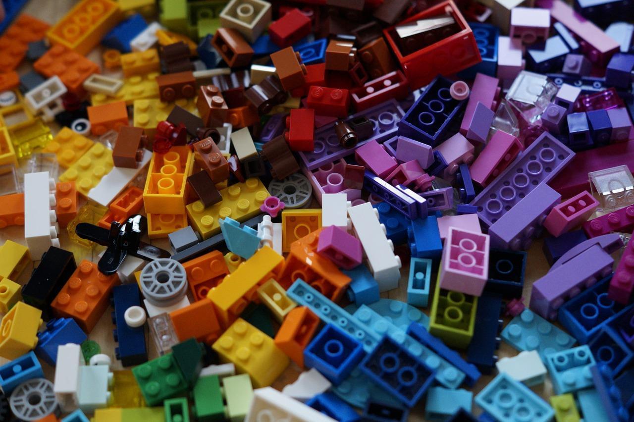 lego-1108908_1280-1497043526993.jpg