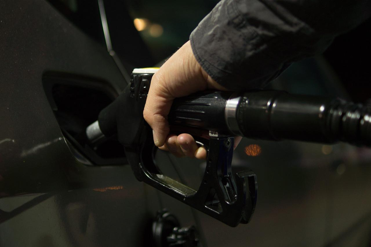 petrol-996617_1280-1506627399441-1506627402191.jpg