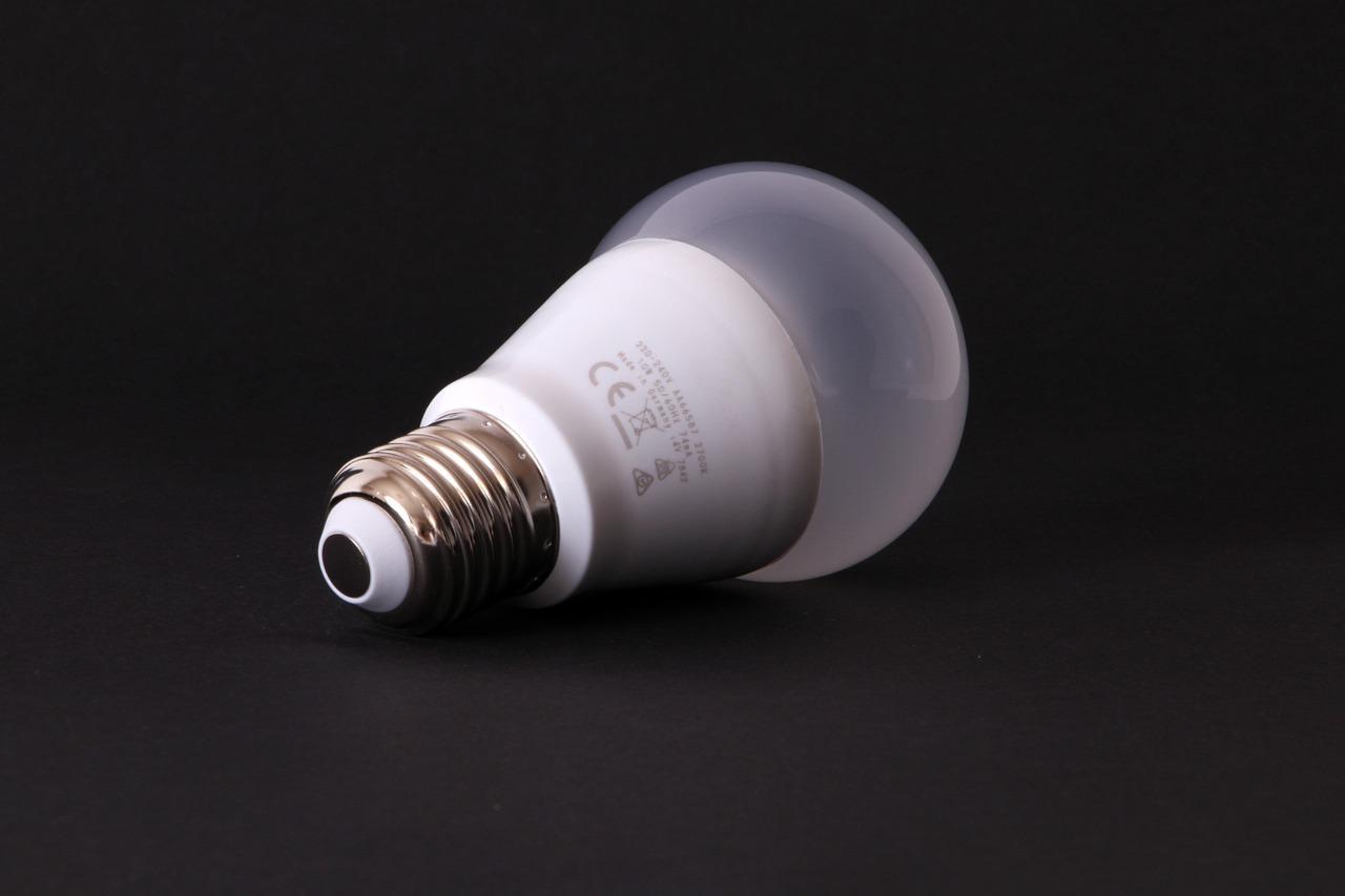 bulbs-1076448_1280-1514915665942.jpg
