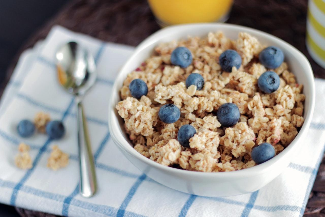 oatmeal-blueberries-1533133118606-1533133120561.jpeg