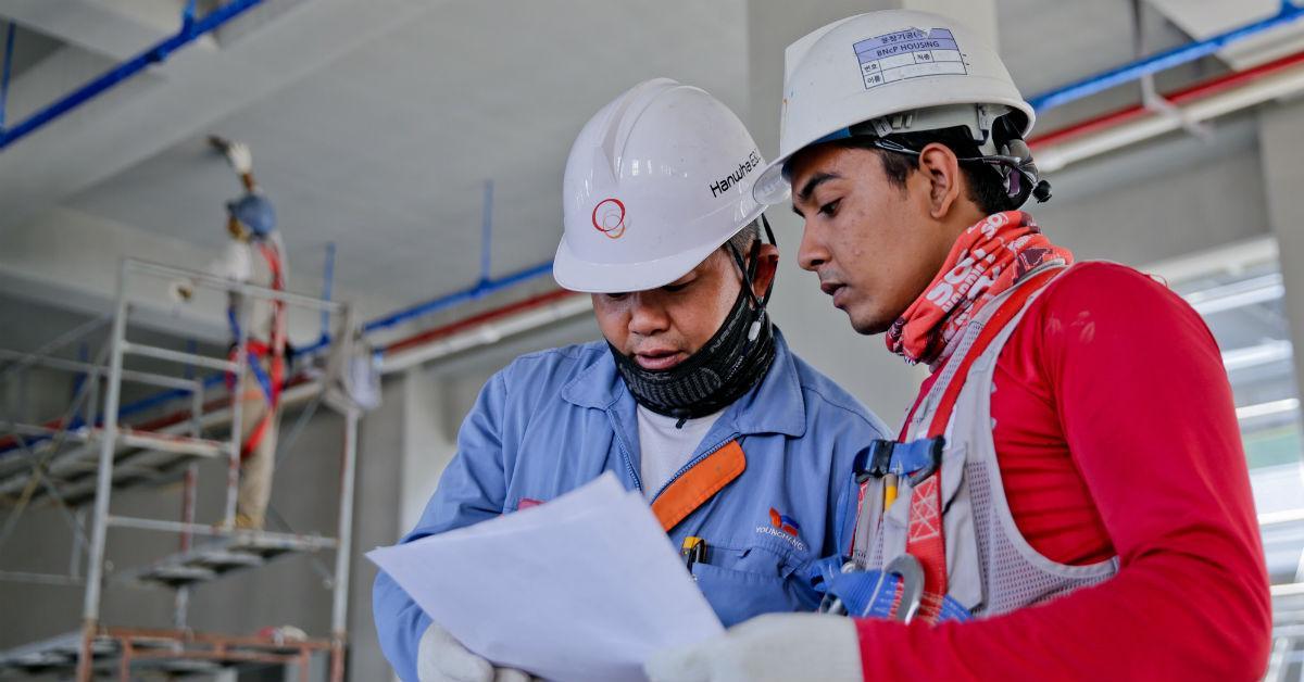 construction-helmet-industry-1216589-1537388402073-1537388404159.jpg
