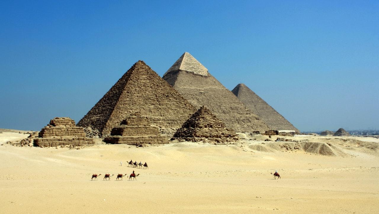 egypt-pyramids-closeup-1533150706948-1533150708713.jpeg