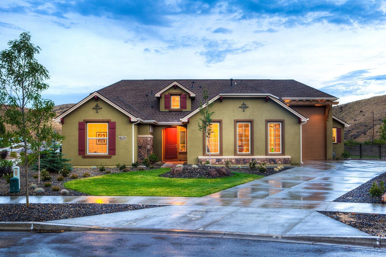 house-2609016_1280-1504031341700.jpg
