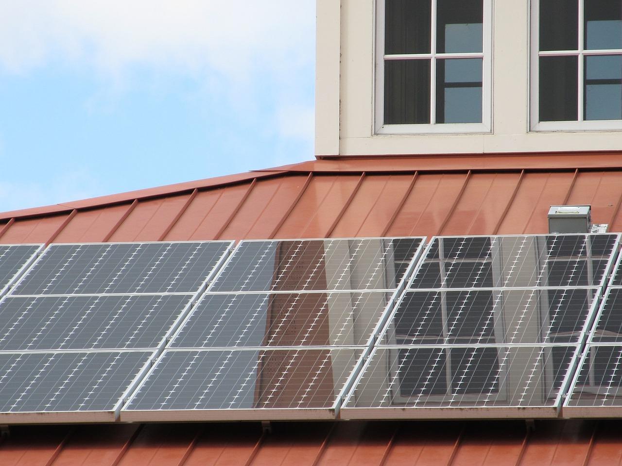 solar-panel-array-1794514_1280-1503161164379-1503161166658.jpg