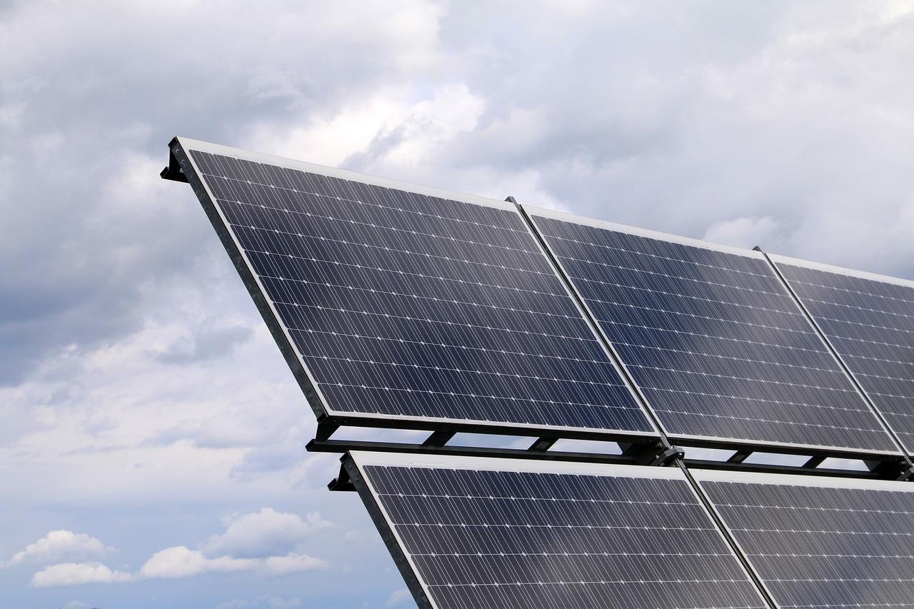 photovoltaic-2799982_1280-1513033449899.jpg