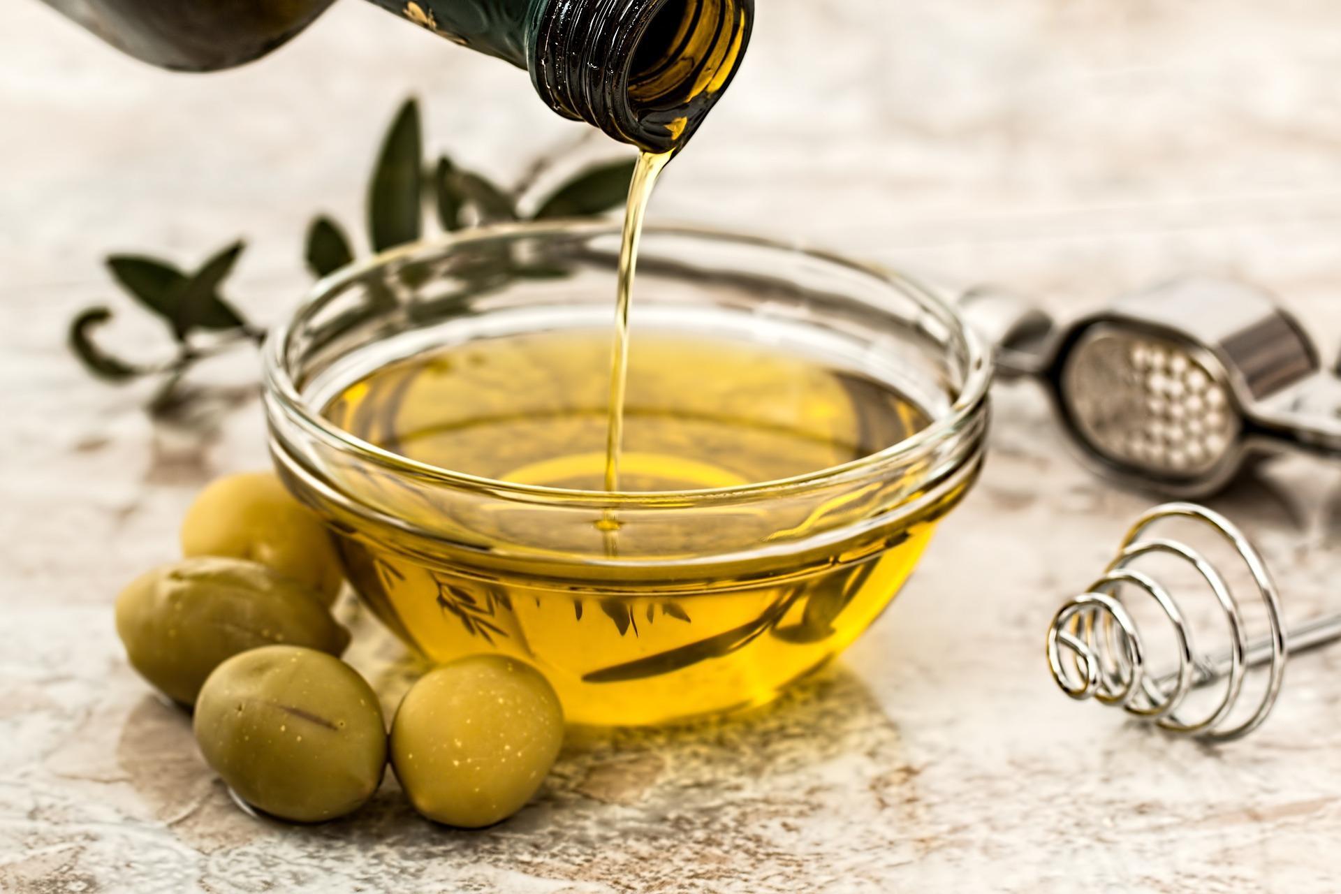 olive-oil-968657_1920-1494346473240.jpg
