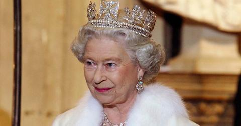 queen-fur-ban-1573059544230.jpg