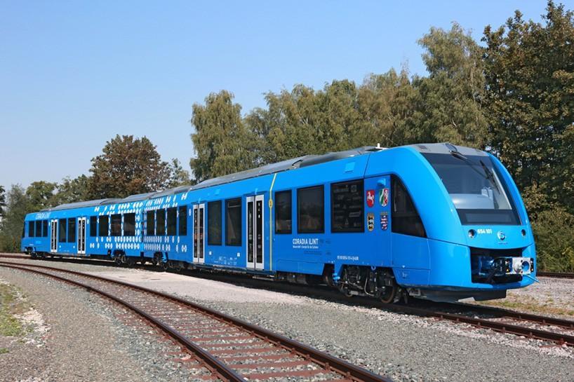 atstom-coradia-ilint-hydrogen-train-designboom-03-24-2017-818-006-818x545-1538094303774-1538094305684.jpg