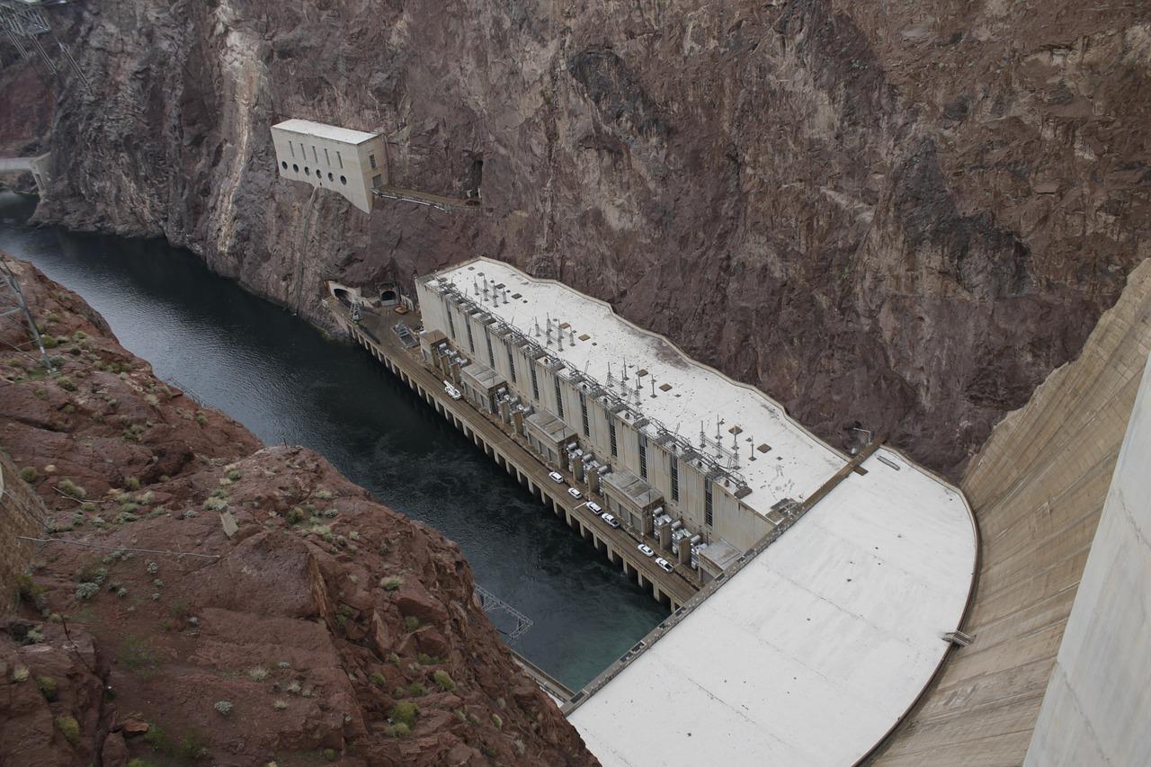 hoover-dam-2107951_1280-1499458280697.jpg