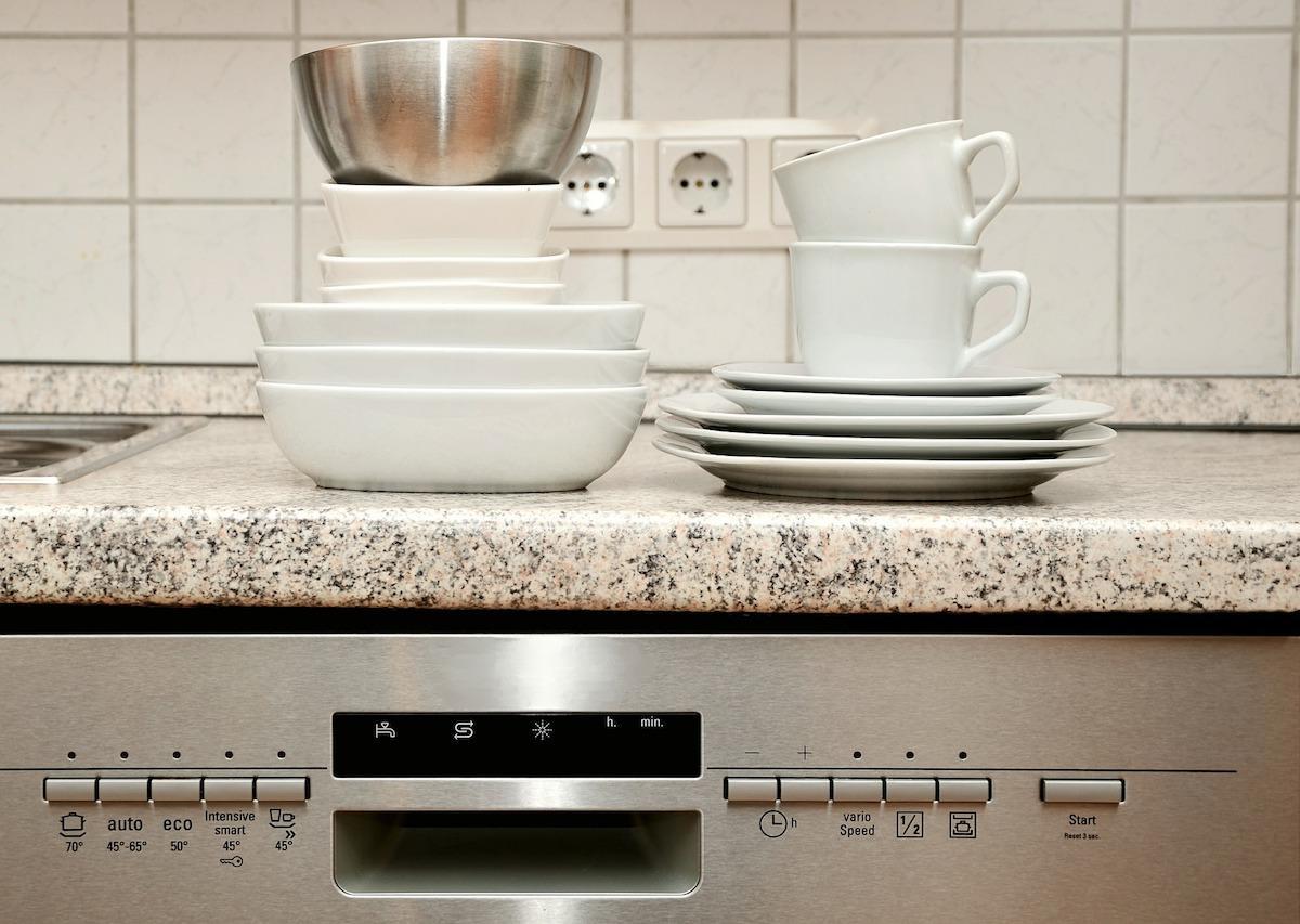 tableware-555203_1920-1534800784917-1534800786764.jpg