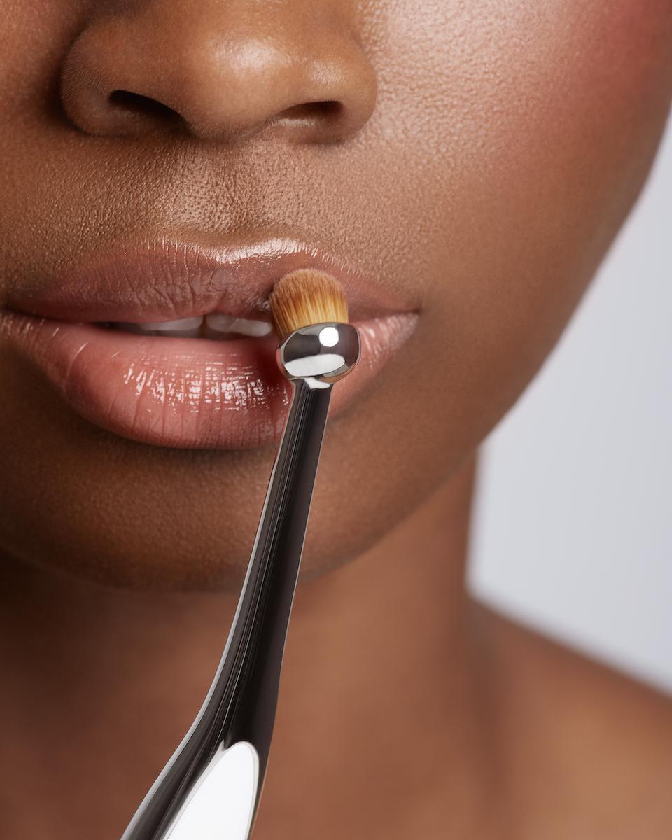 artis-brush-makeup-eco-friendly-1550700192473-1550700195312.jpg
