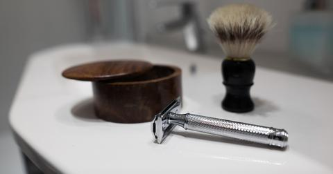 how-to-clean-safety-razor-1570033518981.jpg