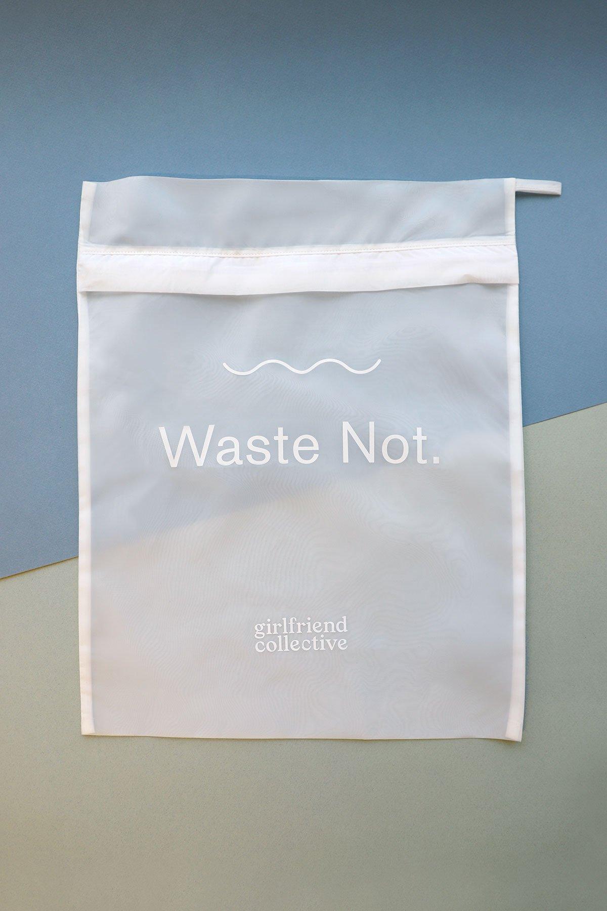 girlfriend-collective-wash-bag-microfibers-1579106075962.jpg