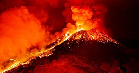 volcano-eruption-1606844044319.jpg
