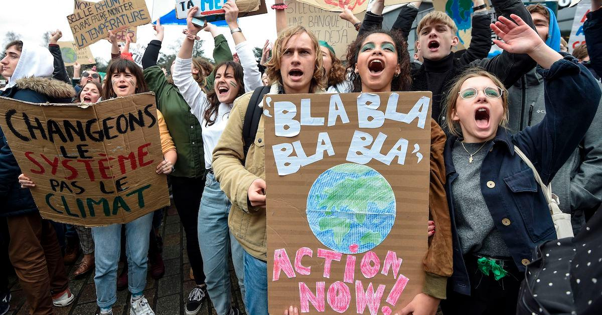 climate-strike-black-friday-1573241701668.jpg