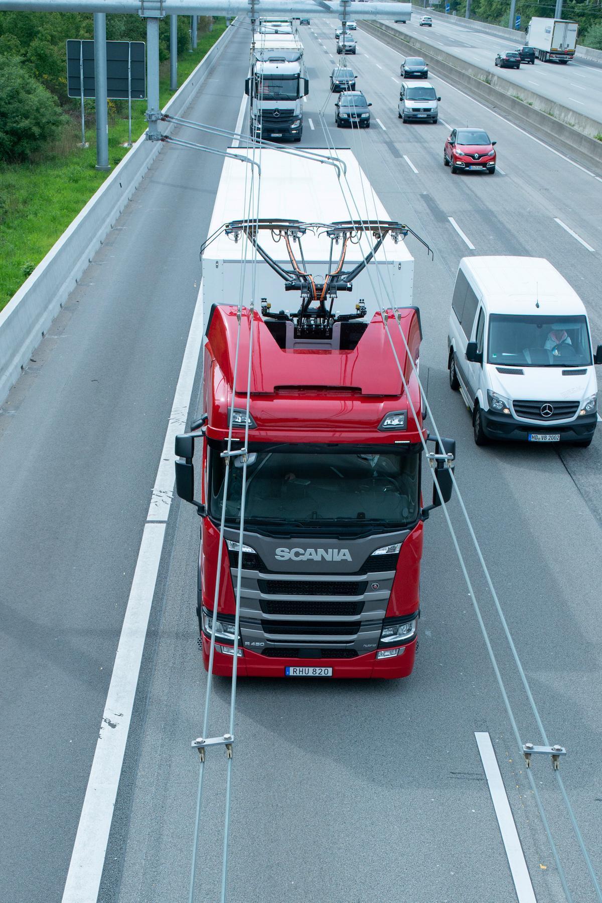 truck-ehighway-innovation-1576702110678.jpg