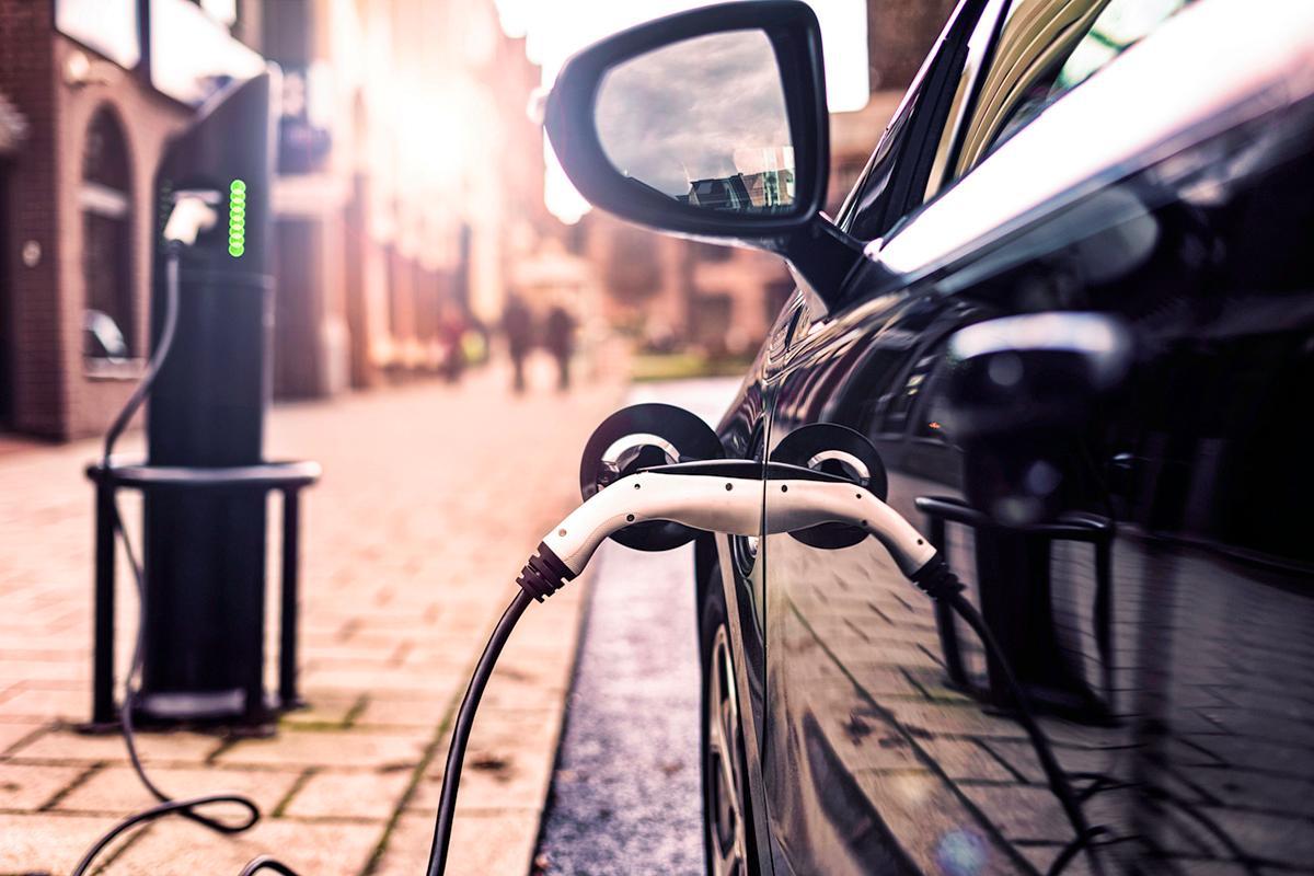 electric-vehicle-tax-break-1579212182039.jpg