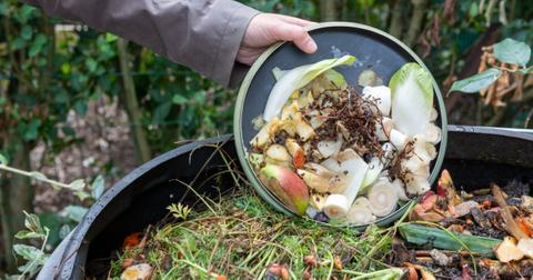 how to prepare compost for gardening