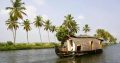 Are Houseboats Sustainable Living Options?
