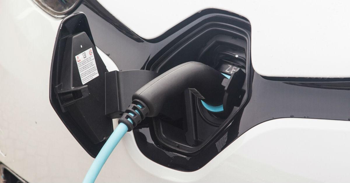 electriccarplug-1535391326005-1535391327962.jpg