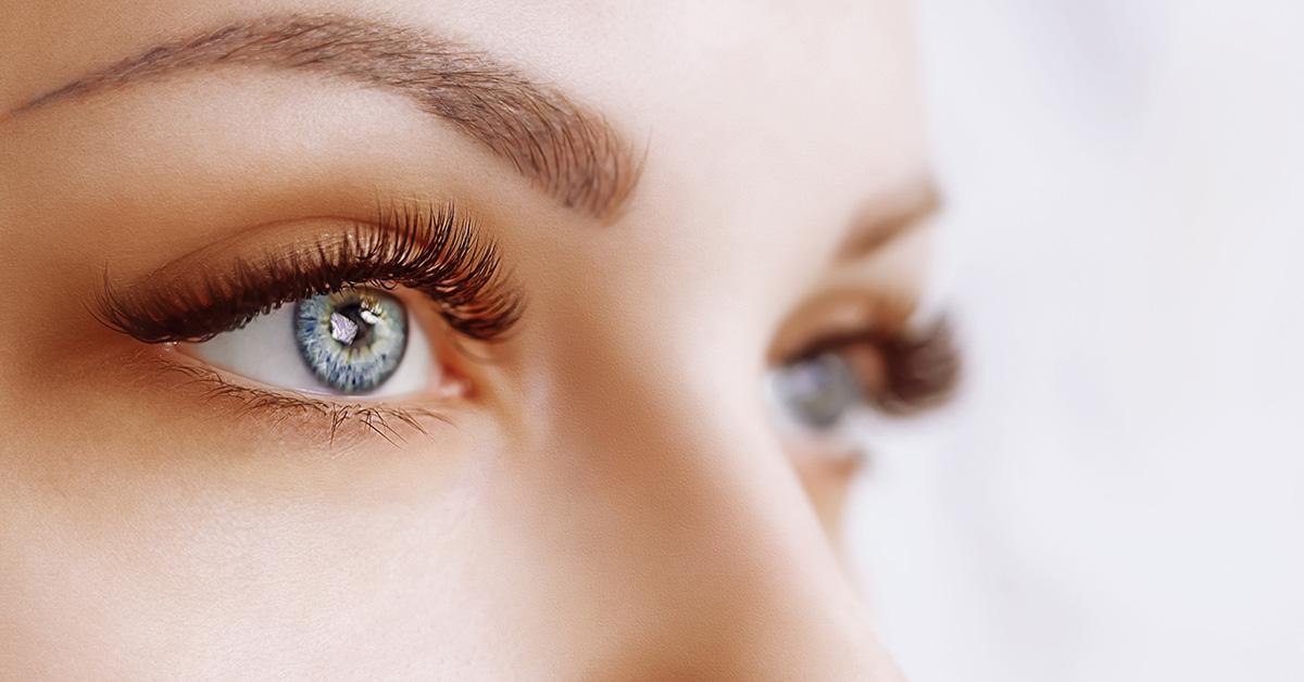How to Grow Your Eyelashes — Naturally: Make Your Own Lash Serum