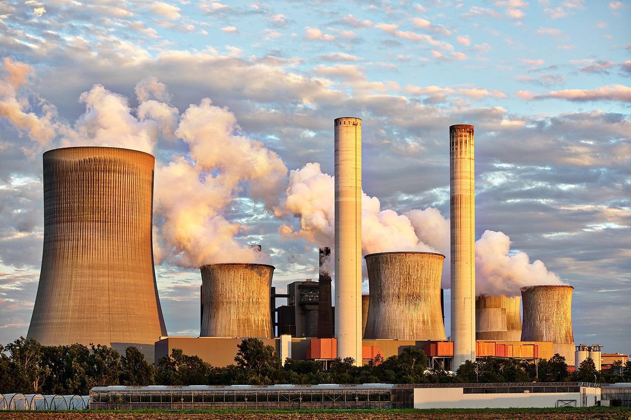 power-plant-2411932_1280-1498242231537.jpg